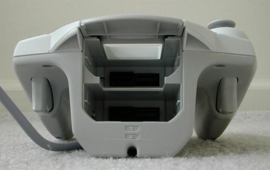 Controle do Dreamcast com dois gatilhos
