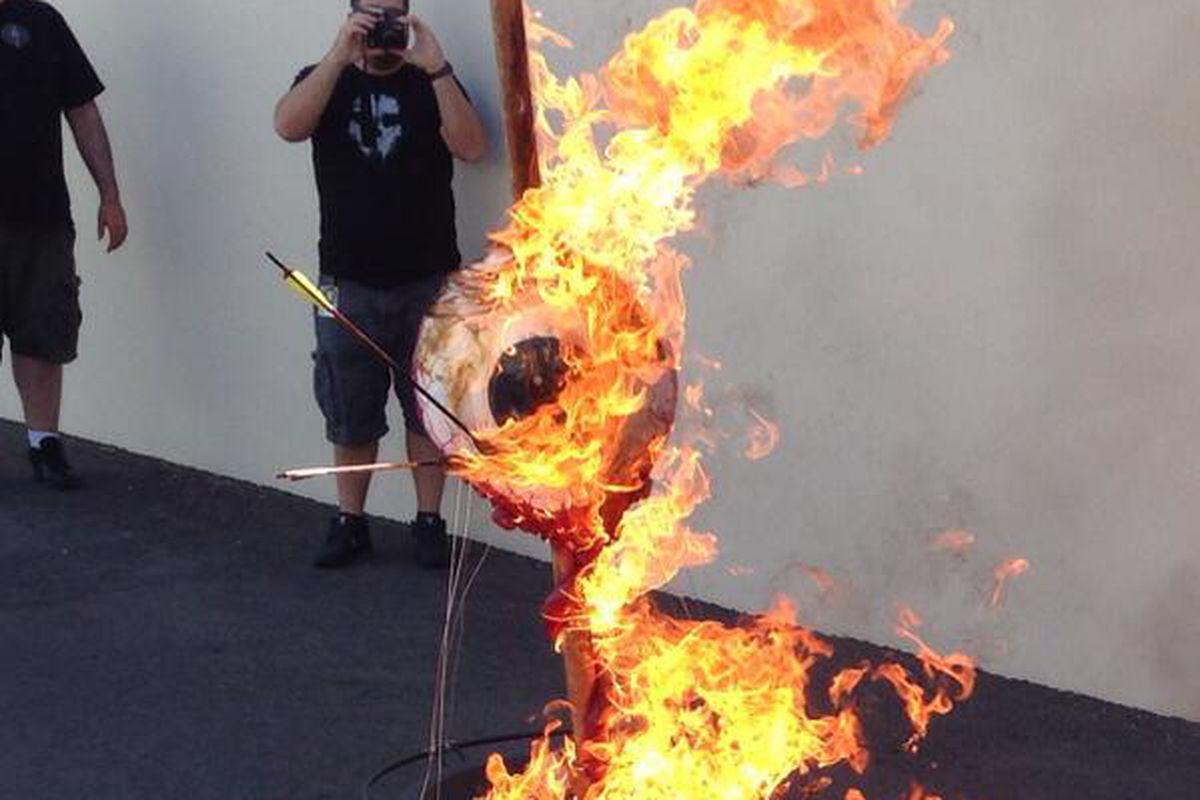 Olho da Neversoft pegando fogo na despedida